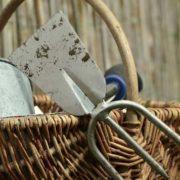 使う鍬(くわ)は錆びない、力も出し切るから衰えない